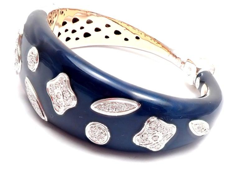 18k White Gold Diamond Enamel Bangle Bracelet by La Nouvelle Bague. With Round brilliant-cut diamonds VS1 clarity, G color totaling 1ct Details: Length: 7