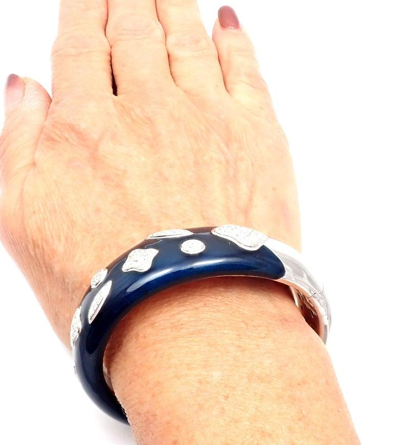 La Nouvelle Bague Diamond Enamel White Gold Bangle Bracelet For Sale 4
