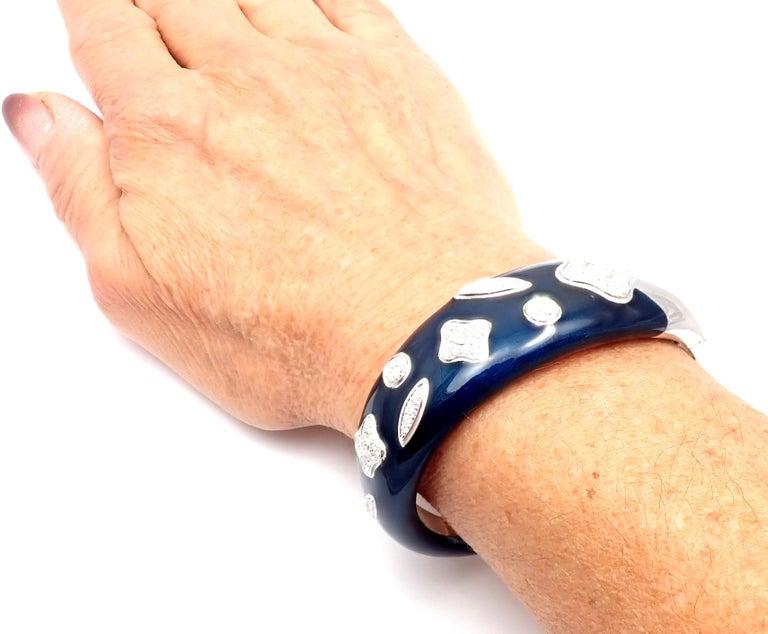 La Nouvelle Bague Diamond Enamel White Gold Bangle Bracelet For Sale 5
