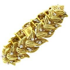 La Triomphe 1.00 Carat 18 Karat Yellow Gold Diamond Rope Textured Link Bracelet