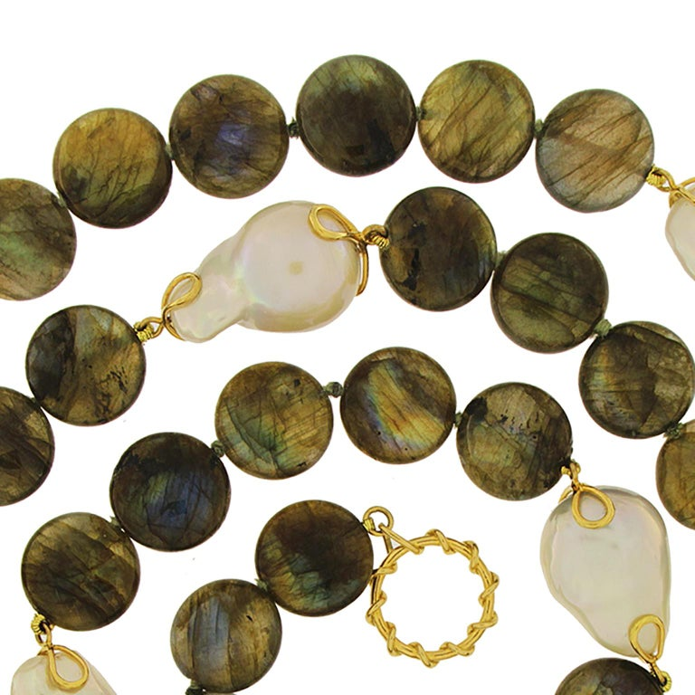 Labradorite Disk Freshwater Pearl Gold Necklace In New Condition For Sale In New York, NY