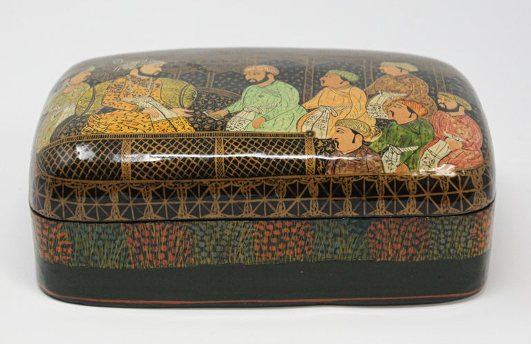 Islamic Lacquer Box Hand Painted with Mughals Maharajahs, Kashmir, India For Sale
