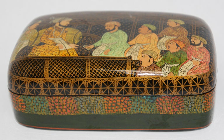 Paper Lacquer Box Hand Painted with Mughals Maharajahs, Kashmir, India For Sale
