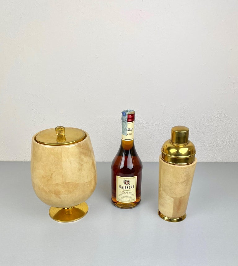 Mid-Century Modern Lacquered Goatskin and Brass Ice Bucket and Shaker by Aldo Tura, Italy, 1950s For Sale