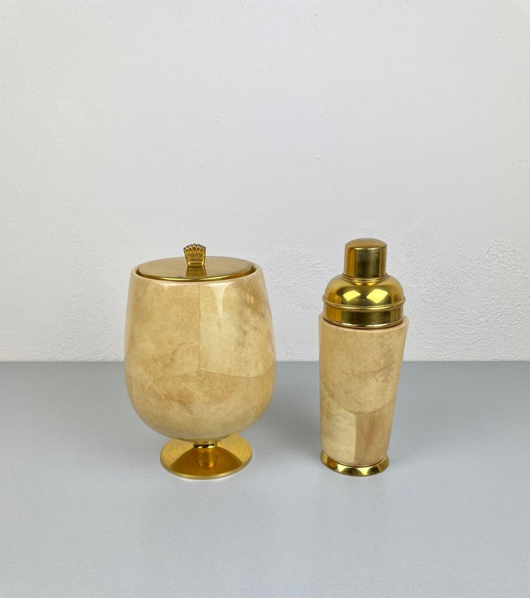 Lacquered Goatskin and Brass Ice Bucket and Shaker by Aldo Tura, Italy, 1950s In Good Condition For Sale In Rome, IT