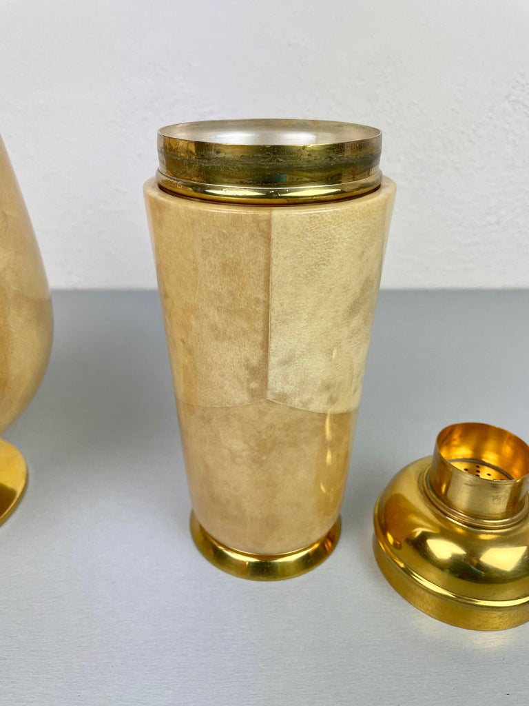 Lacquered Goatskin and Brass Ice Bucket and Shaker by Aldo Tura, Italy, 1950s For Sale 1