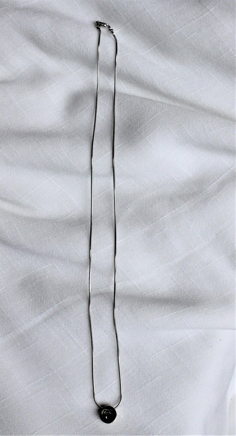 Ladies 14-Karat White Gold & Diamond Modernist Slide Pendant & Snake Link Chain In Good Condition For Sale In Hamilton, Ontario