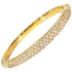 Ladies 18 Karat Yellow Gold 7.25 Carat Pave Diamond Hinged Bangle Bracelet
