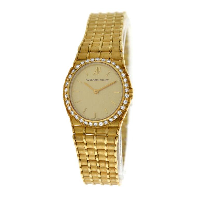 Ladies Audemars Piguet Royal Oak 18 Karat Yellow Gold Diamond Quartz Watch In Excellent Condition For Sale In New York, NY