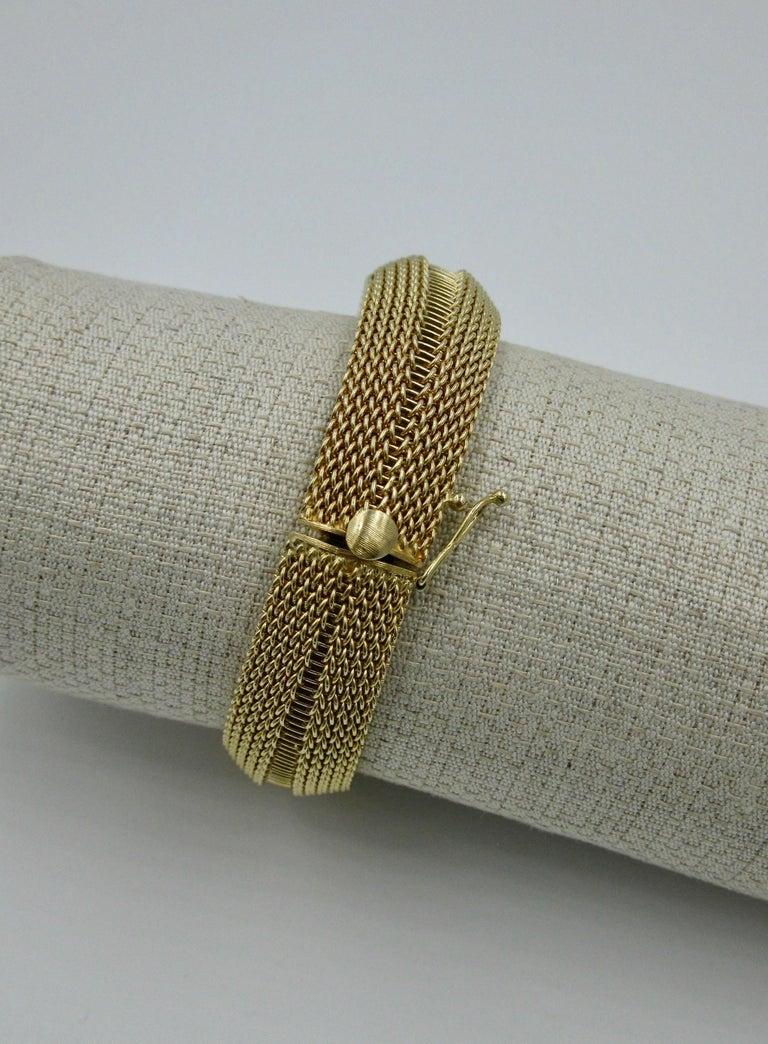 Ladies Diamond Yellow Gold Wristwatch Bracelet Mid-Century Modern Madmen, 1960s For Sale 6
