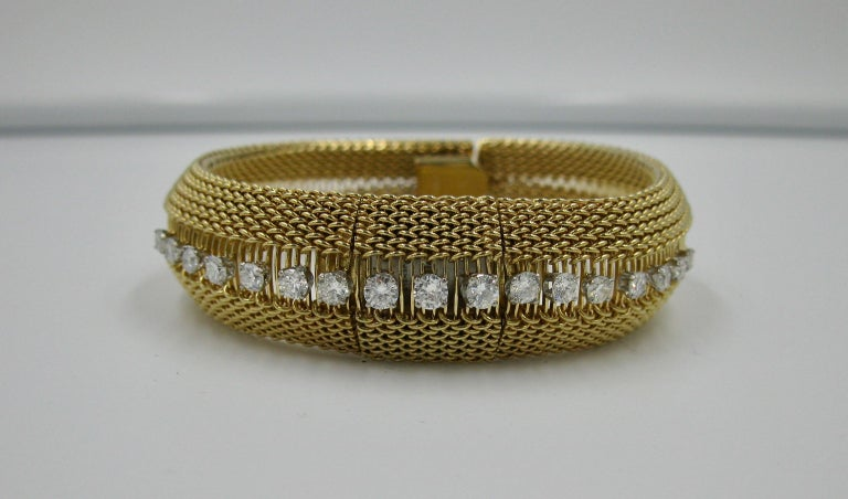 Modernist Ladies Diamond Yellow Gold Wristwatch Bracelet Mid-Century Modern Madmen, 1960s For Sale