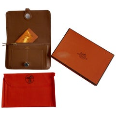 Ladies Hermes Mushroom Coloured Togo Calfskin Dogon Duo Wallet with Purse