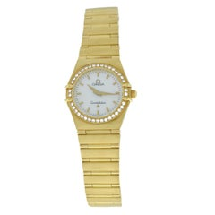Ladies Omega Constellation 18 Karat Gold Mother of Pearl Diamond Quartz Watch