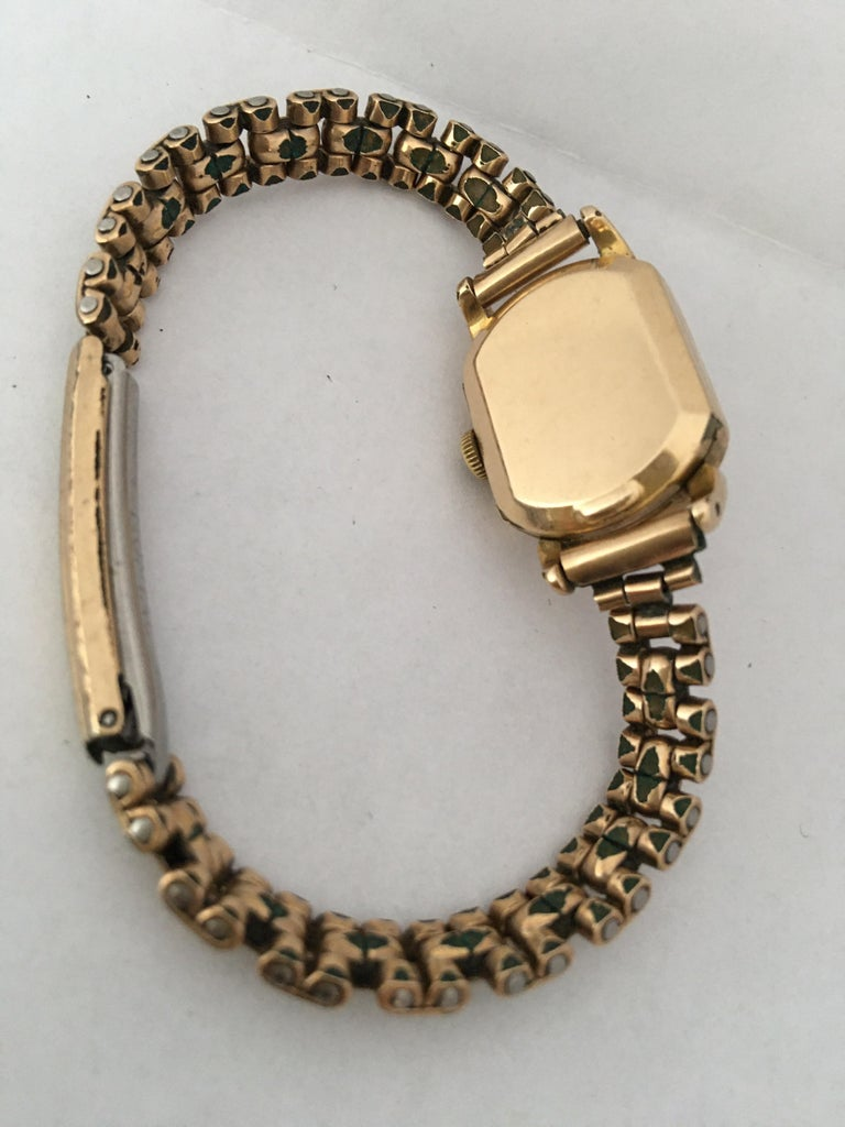 Ladies Omega Vintage Gold-Plated Mechanical Watch In Good Condition For Sale In Carlisle, GB