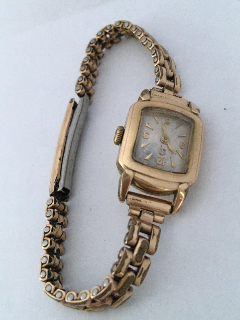 Ladies Omega Vintage Gold-Plated Mechanical Watch For Sale 3