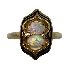 Ladies Opal Fashion Ring in 14 Karat Yellow Gold
