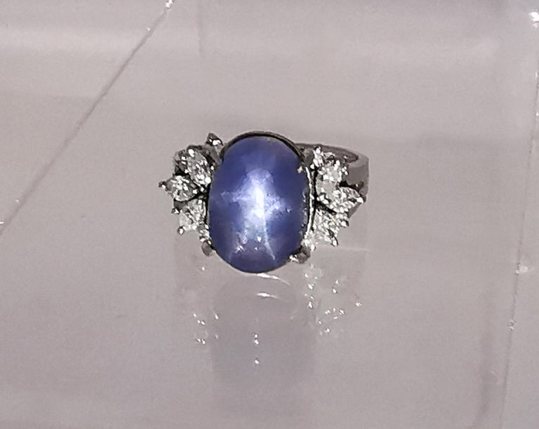 Ladies Platinum Cabochon Star Sapphire Ring with Diamonds In Good Condition For Sale In Braintree, GB