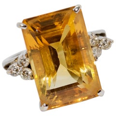 Ladies Ring, 18 Karat White Gold with Large Faceted Citrine and Diamonds
