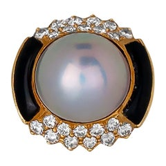 Art Deco,  Mabe' Pearl and Diamond Black Onyx Ring
