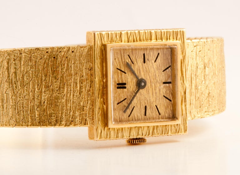 Women's Ladies Wristwatch Yellow Gold 18 Carat, Mechanical Movement For Sale