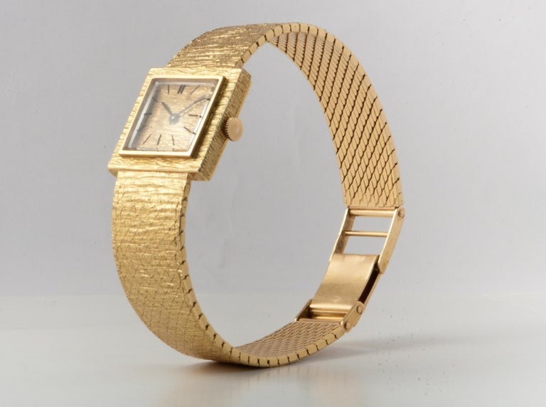 Ladies Wristwatch Yellow Gold 18 Carat, Mechanical Movement For Sale 1