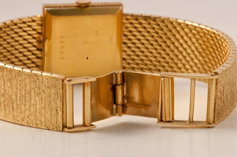 Ladies Wristwatch Yellow Gold 18 Carat, Mechanical Movement For Sale 2