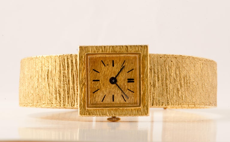 Ladies Wristwatch Yellow Gold 18 Carat, Mechanical Movement For Sale 4