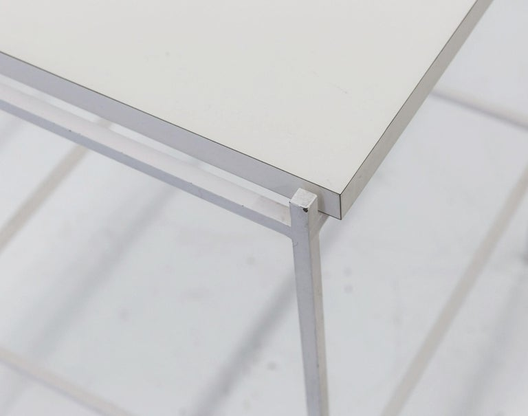Ladislav Rado White enameled Steel Modern Side Table, 1955, Knoll and Drake In Good Condition For Sale In Brooklyn, NY