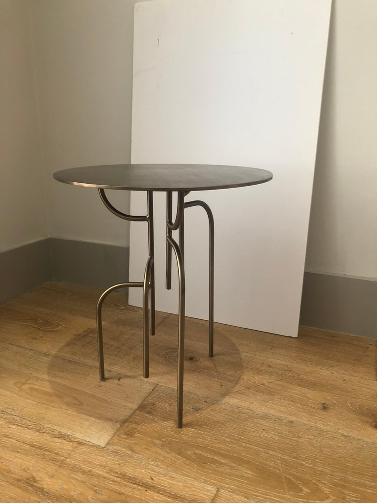 Modern Lagoas Accent Side Round Table