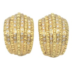 18 Karat Yellow Gold with Diamonds Earrings