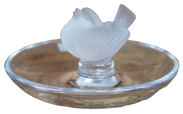 Lalique Crystal Frosted Glass Jewelry Trinket Ring Holder Sparrow Bird Dish In Good Condition In Dayton, OH