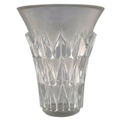 """Lalique """"Feuilles"""" Vase in Art Glass with Leaves in Relief, Dated after 1945"""