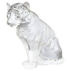 Lalique Tigre Assis, Sitting Tiger Grand Crystal Sculpture, Signed, 2003
