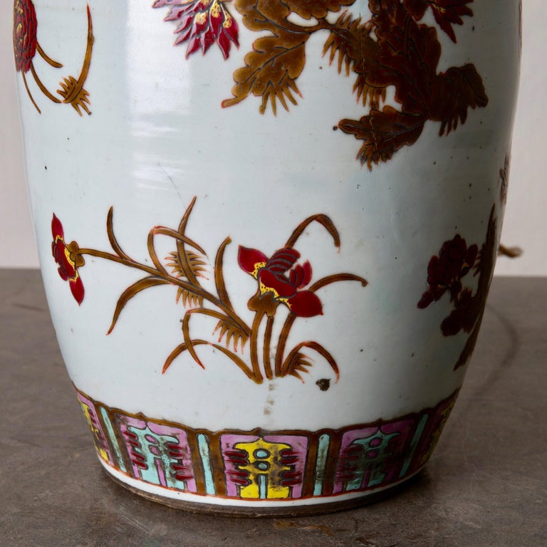 Chinese Lamp Table Oriental White Red Flowers 1920s, China For Sale