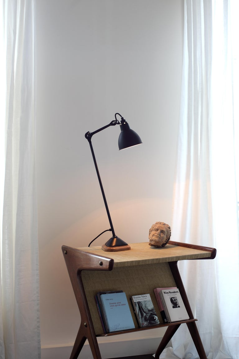 1921, before ever becoming a design, the GRAS Lamp started out as an idea. It is the first articulated lamp in the history of lighting. Invented specifically as a light for working by, nowadays it fits seamlessly into any domestic environment. Form