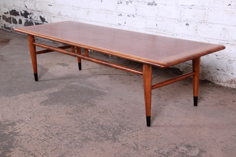 Lane Acclaim Mid-Century Modern Coffee Table In Good Condition For Sale In South Bend, IN