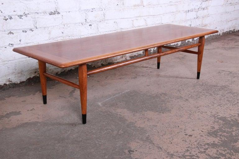 Lane Acclaim Mid-Century Modern Coffee Table For Sale 2