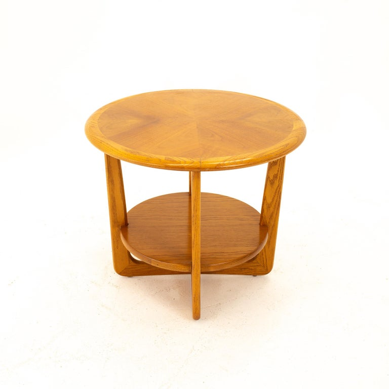 Mid-Century Modern Lane Altavista Mid Century Walnut Round Side End Table For Sale