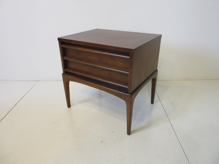Mid-Century Modern Lane Altavista Walnut Nightstands / End Tables from the Rhythm Collection For Sale
