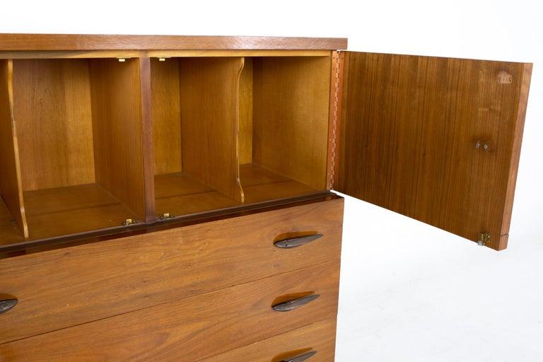 Lane Harlequin Mid Century Inlaid Walnut Gentleman's Chest Highboy Dresser In Good Condition For Sale In La Grange, IL