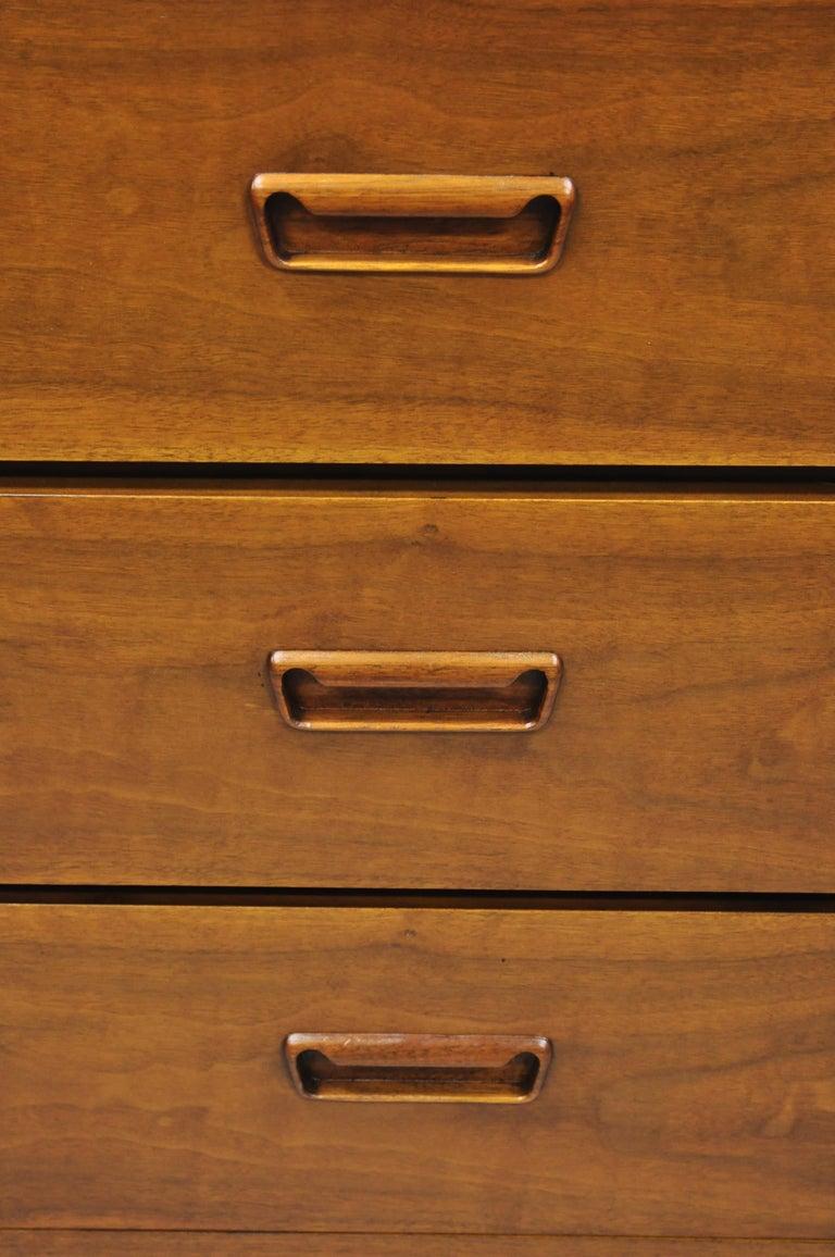 American Lane Mid-Century Modern Dovetail 3-Drawer Dresser Chest Bedside Table