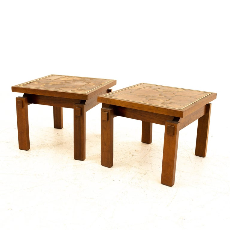 Mid-Century Modern Lane Mid Century Walnut and Live Edge Inlaid Side End Tables, Pair For Sale