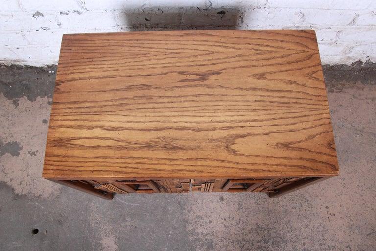 Late 20th Century Lane Pueblo Brutalist Mid-Century Modern Oak Nightstand For Sale