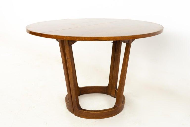 Mid-Century Modern Lane Rhythm Mid Century Round Dining Table