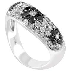 Lani Fratelli Women's 18 Karat Gold Black and White Diamond Flower Band Ring