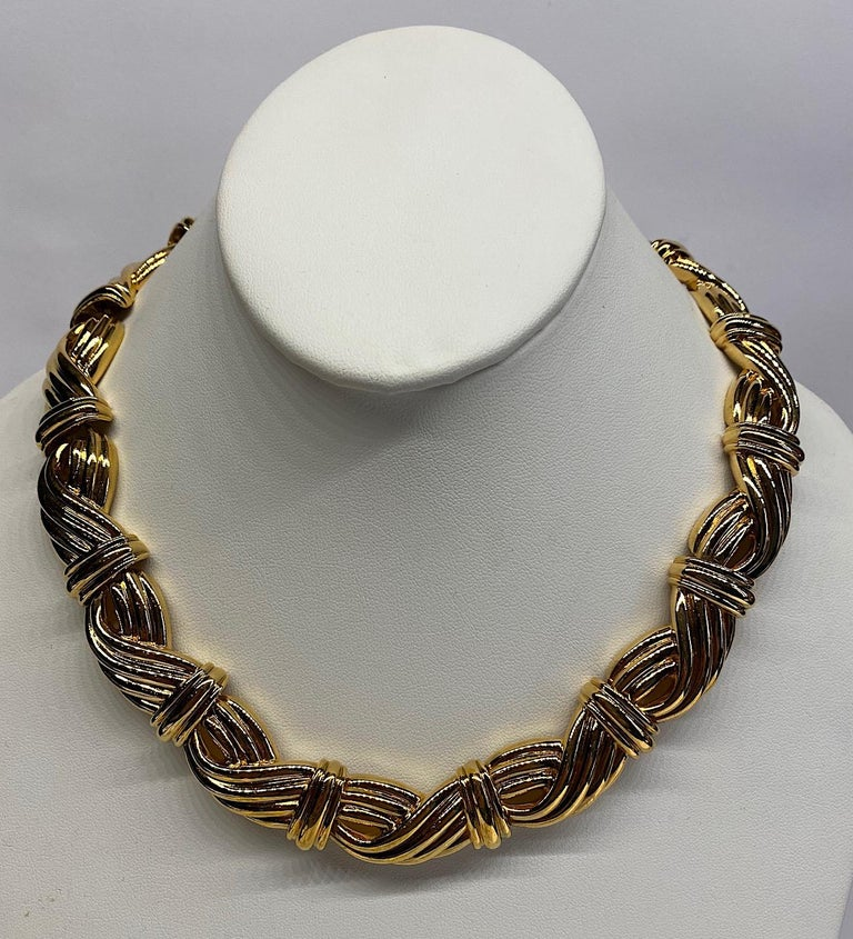 Lanvin 1980s Gold Link Necklace  In Excellent Condition For Sale In New York, NY