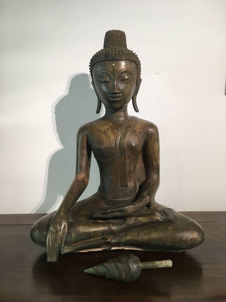 Lao Cast Bronze Shakyamuni Buddha, 17th-18th Century For Sale 5