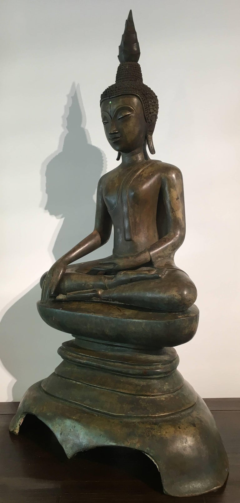 Lao Cast Bronze Shakyamuni Buddha, 17th-18th Century In Good Condition For Sale In Austin, TX