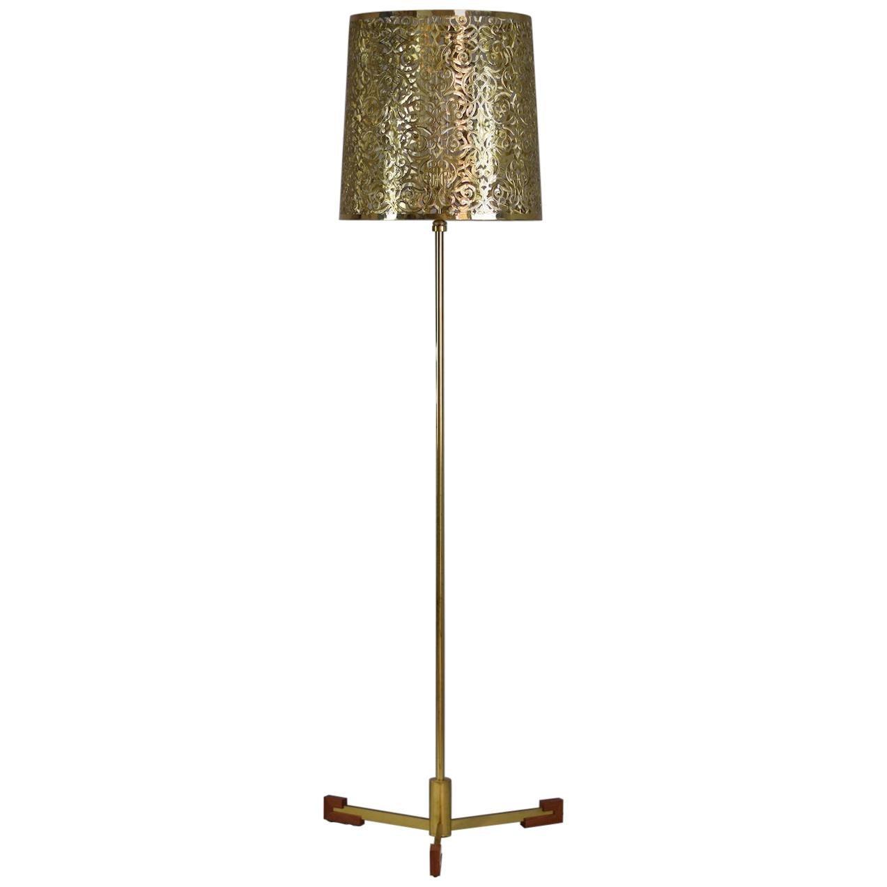 Lao-F1O Oriental Openwork Brass Leather Floor Lamp