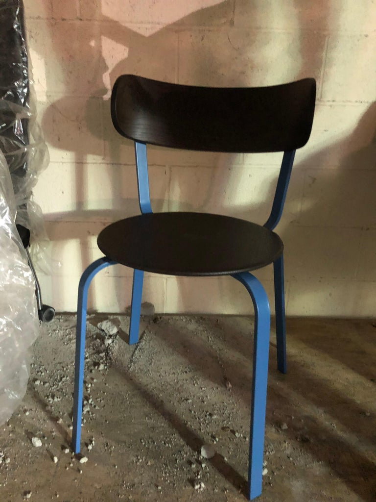 Extremely light metal chair use of a single material - metal. Powder coated metal.